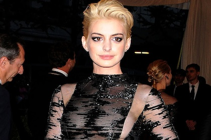 Just When We Finally Got Over The Shock Of Anne Hathaway S Super Short Les Mis Haircut Academy Award Winning Actress Blew Us All Away Again At Last